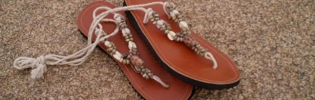 sandals-74735_640